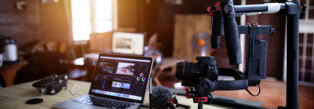 Vlogger Equipment - Filmmaker - MoviEuli